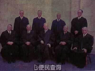 美国最高法院宣布废除黑白分校制