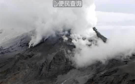 沉睡112年的哥伦比亚卡卡瓜尔火山再次猛烈喷发