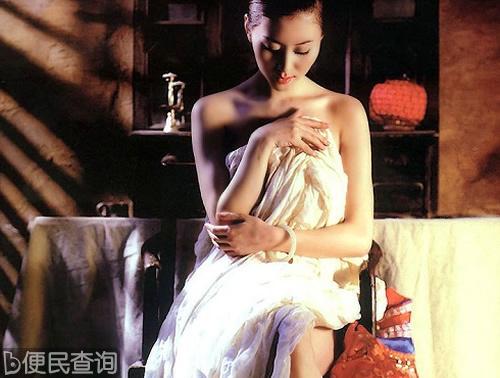 中国女模特汤加丽出生